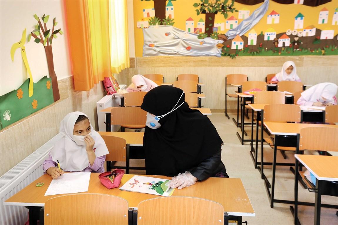 ضرورت تدوین لایحهای برای نیروی انسانی آموزش و پرورش/ کمبود 297 هزار معلم